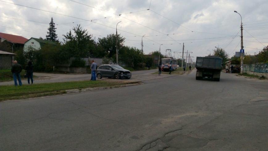 В Каменском на пересечении улиц Бульбенко и Криворожской произошло ДТП, фото-1