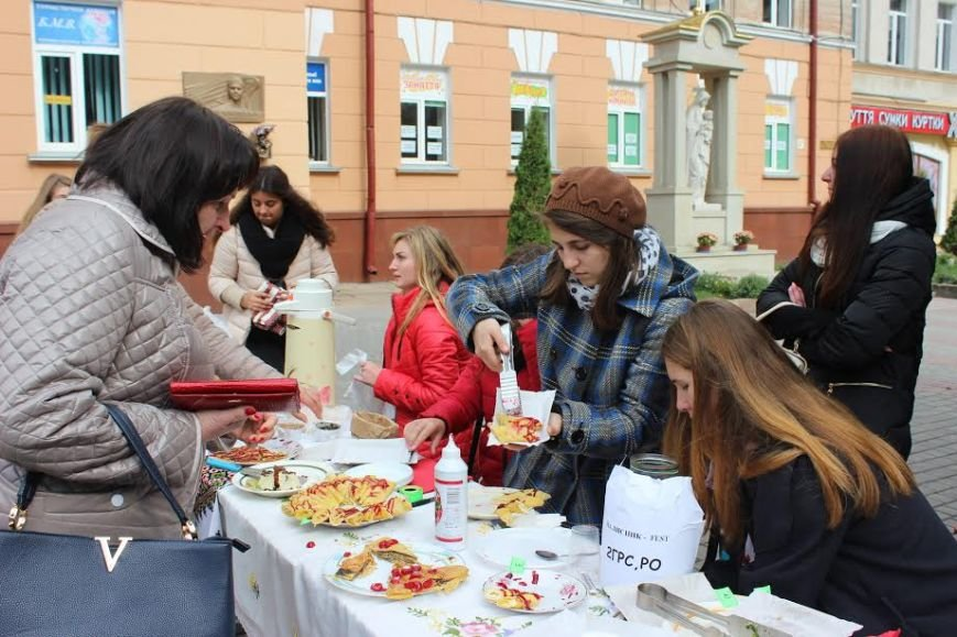 У Тернополі студенти влаштували смачний фестиваль (фото), фото-3