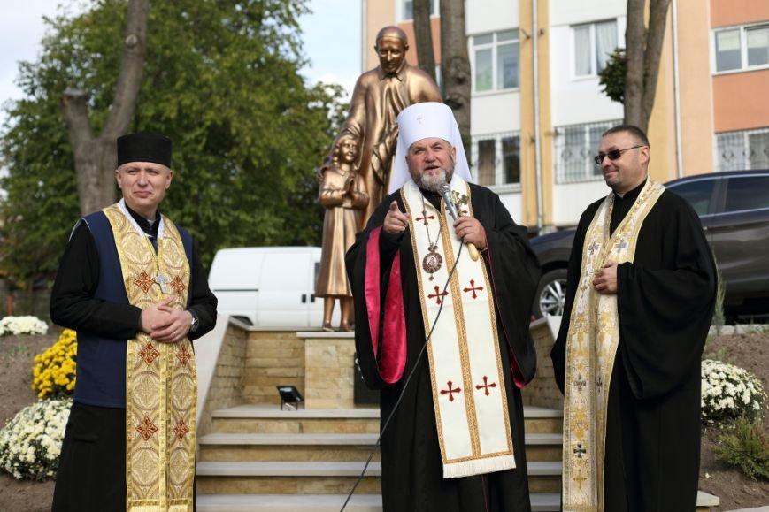 У Тернополі відкрили пам'ятник святому Вінсенту (Фото), фото-2