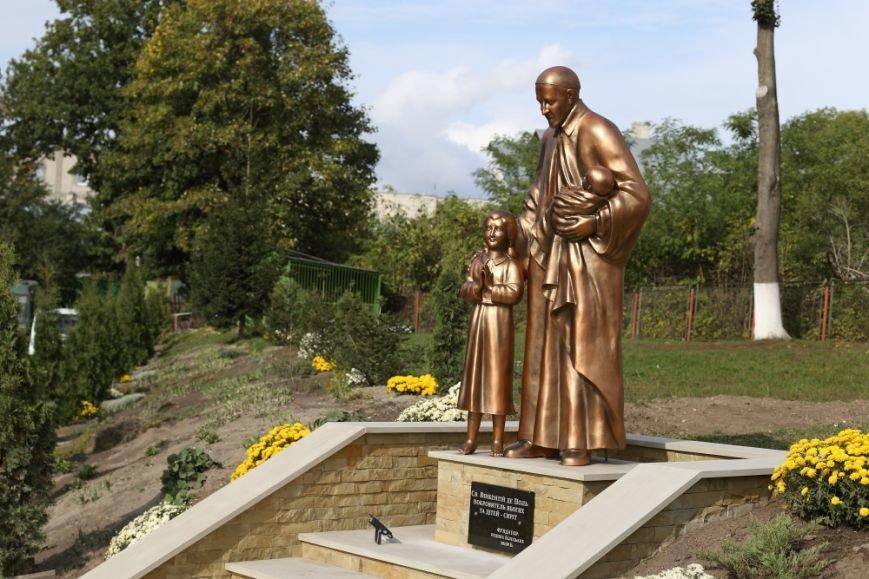 У Тернополі відкрили пам'ятник святому Вінсенту (Фото), фото-3