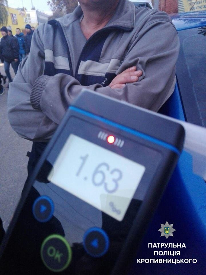Патрульные задержали водителя, который таксовал в нетрезвом состоянии (ФОТО), фото-2