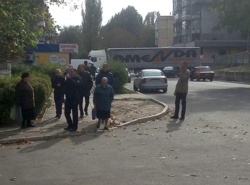 В Каменском нелегальный алкоголь и сигареты изъяла патрульная полиция из Днепра, фото-4