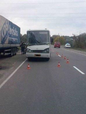 ДТП в Кременчуге: автобус столкнулся с фурой. Есть пострадавшие (ФОТО), фото-5