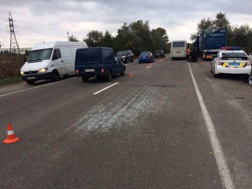 ДТП в Кременчуге: автобус столкнулся с фурой. Есть пострадавшие (ФОТО), фото-3
