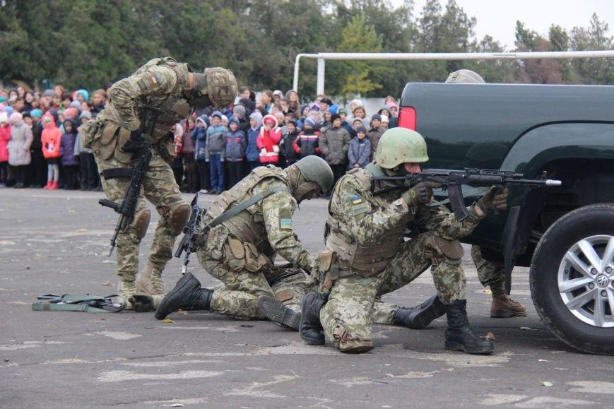 В Херсоне состоялись показательные выступления пограничников (фото), фото-2