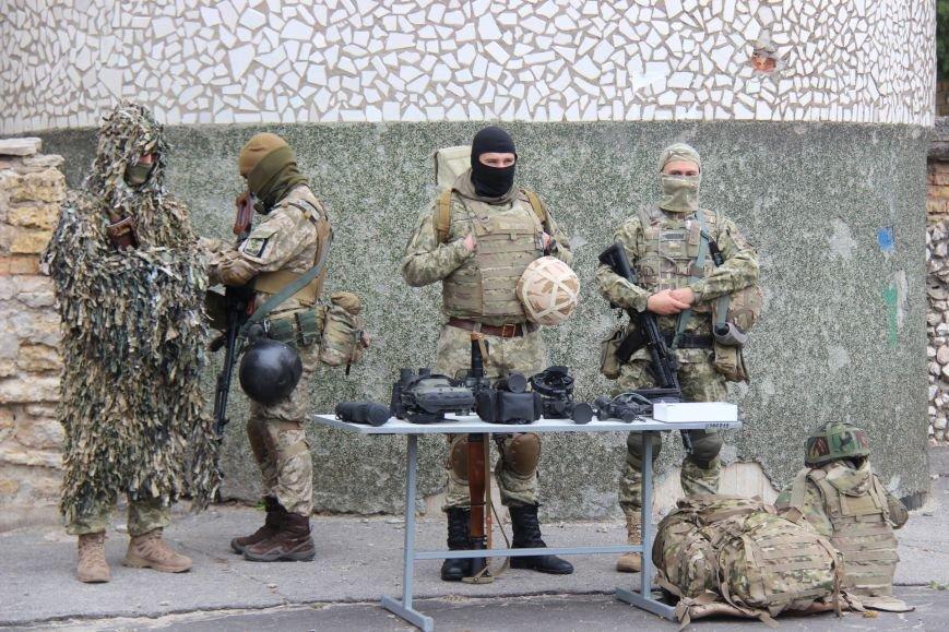 В Херсоне состоялись показательные выступления пограничников (фото), фото-1