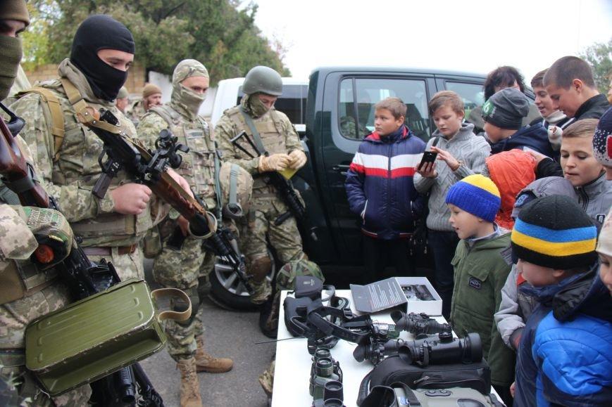 В Херсоне состоялись показательные выступления пограничников (фото), фото-4