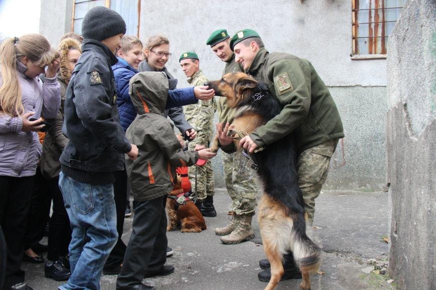 В Херсоне состоялись показательные выступления пограничников (фото), фото-5