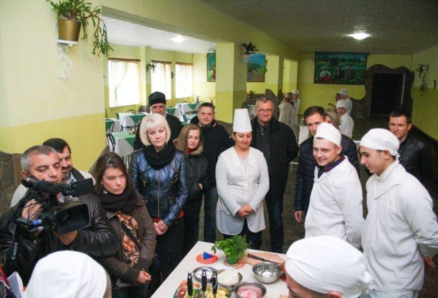 Ребята из Кременчугской воспитательной колонии выучились на поваров, фотографов и операторов ПК (ФОТО), фото-2