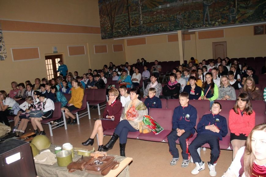 Сахалинские поисковики провели встречу со школьниками, фото-12