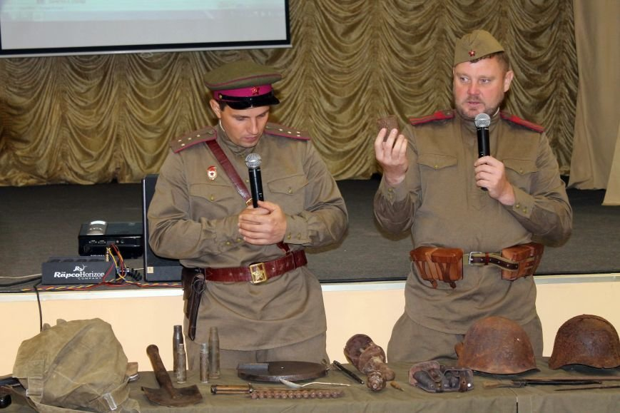 Сахалинские поисковики провели встречу со школьниками, фото-10