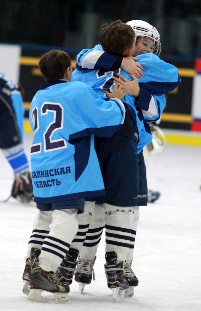 Команда «Кристалл» завоевала бронзу на международном турнире по хоккею в Пекине, фото-2