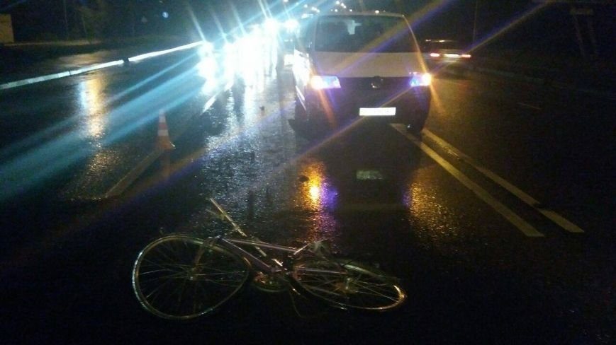 У Львові внаслідок наїзду двох автомобілів загинув велосипедист (ФОТО), фото-1