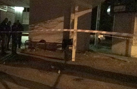В Кременчуге молодого человека зарезали на остановке общественного транспорта (фото и видео), фото-1