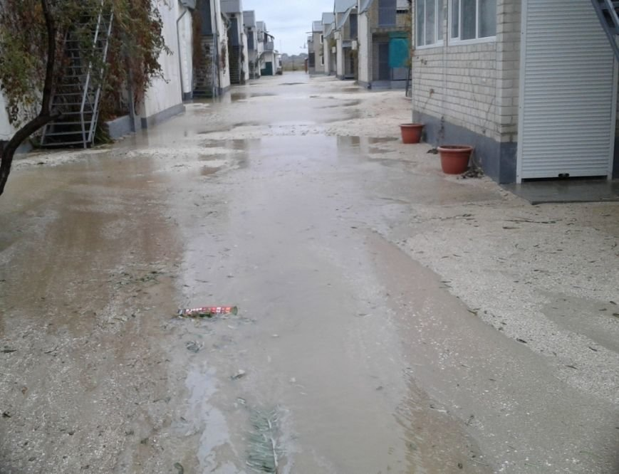 Спасатели опубликовали фото затопленной Кирилловки: шторм утих, фото-1
