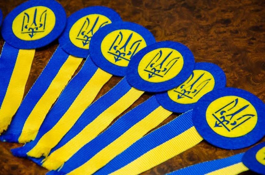 В Днепре презентовали новый символ Дня защитника Украины (ФОТО), фото-1