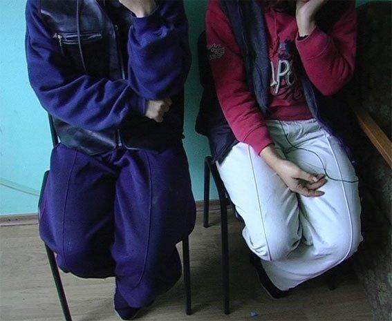 На Полтавщине сёстры-близняшки убили мужчину ножом и бутылкой (ФОТО), фото-4