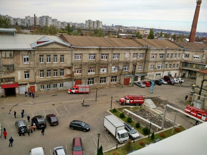 В Харькове горит подпольный швейный цех (ФОТО), фото-2