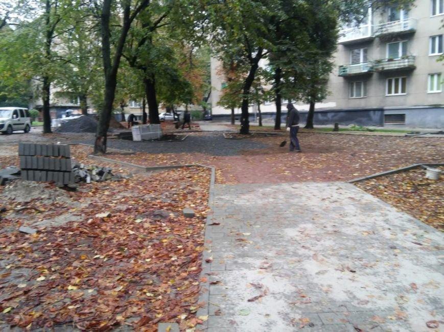 На реконструкцію площі Вишиваного витратять 633 тисячі гривень  (ФОТО), фото-7