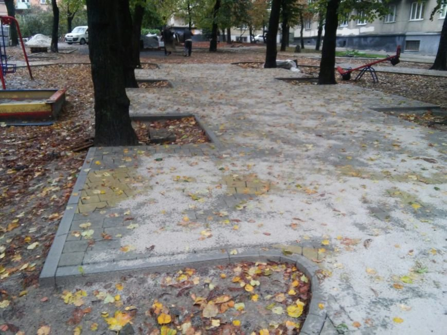 На реконструкцію площі Вишиваного витратять 633 тисячі гривень  (ФОТО), фото-1