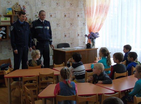 Херсонская полиция учит детей основам ПДД, фото-1