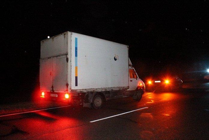 Рядом со Слонимом буксируемый грузовик сбил не обозначенного в темноте пешехода: поиск очевидцев, фото-2