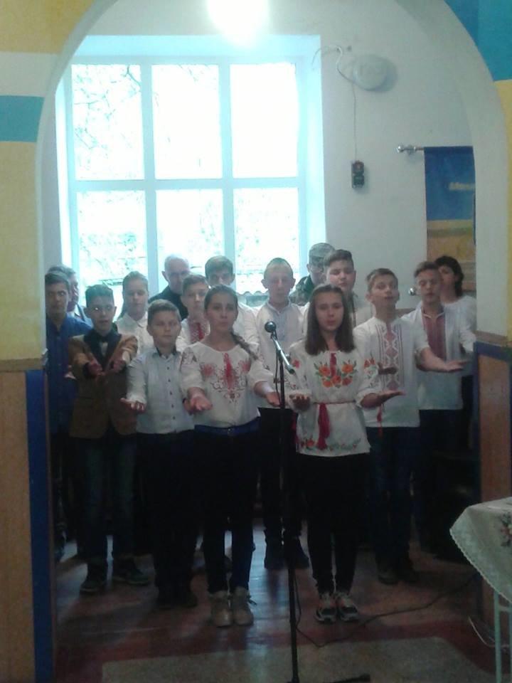 Под Кремечнчугом, в Песчаном открыли три памятных доски, посвященных погибшим в АТО военным, фото-9