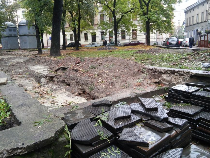 На площі Маланюка завершити ремонт планують до середини листопада (ФОТО), фото-3
