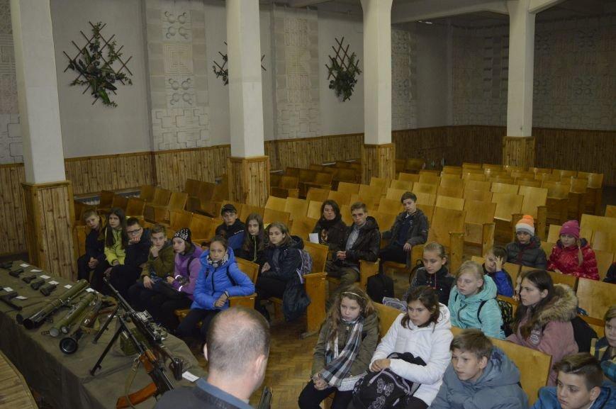 Кременчугские школьники побывали на тренировочной базе СБУ, фото-4