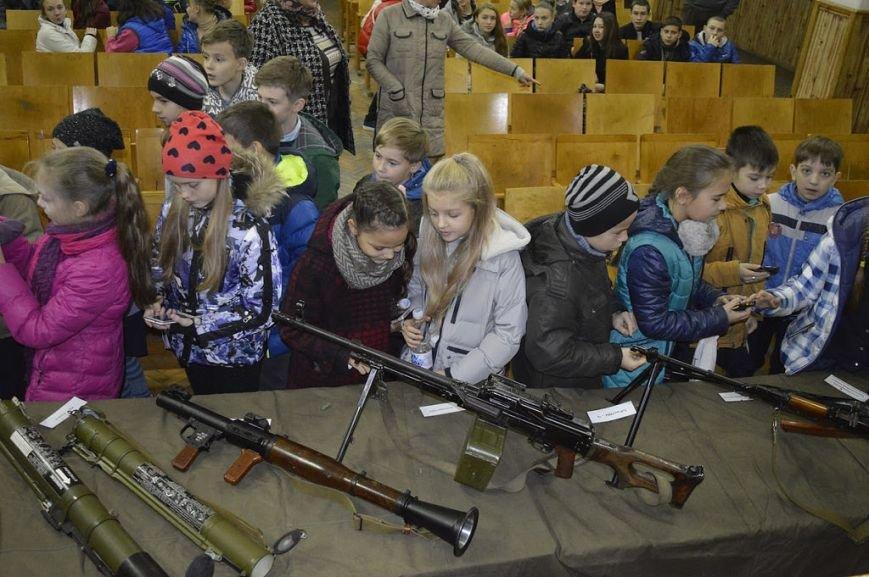 Кременчугские школьники побывали на тренировочной базе СБУ, фото-1