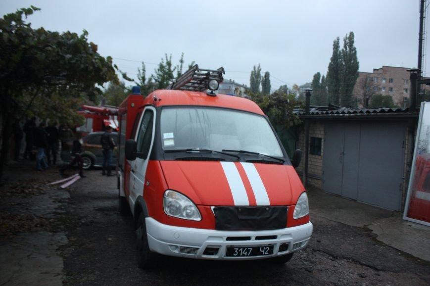 В Кропивницком горел гараж и авто «Chevrolet Aveo» (ФОТО), фото-4