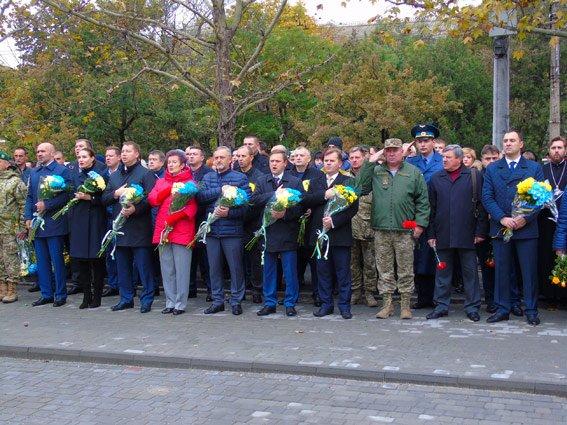 Полиция Херсонщины приняла участие в торжествах ко Дню защитников Украины (фото), фото-1