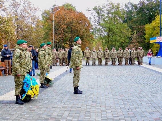 Полиция Херсонщины приняла участие в торжествах ко Дню защитников Украины (фото), фото-2