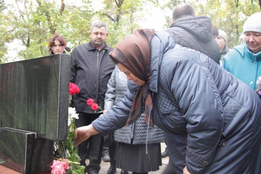 Под залпы тяжелых орудий в Сартане прошла панихида по погибшим 14 октября 2014(ФОТО), фото-3