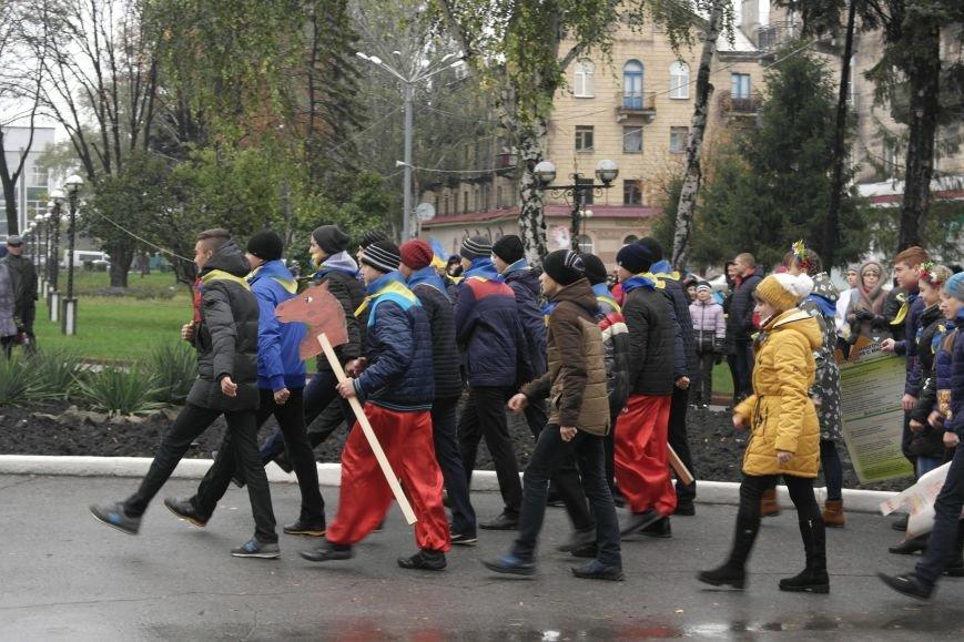 Школьники Покровска (Красноармейска) показали «класс» на конкурсе маршевой песни, фото-1