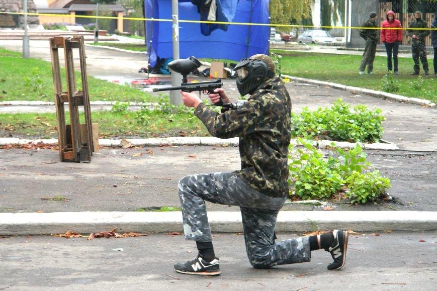 В Покровске (Красноармейске) стреляли... краской, фото-3