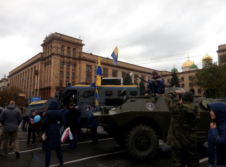 В Днепре День Защитника Украины отметили с песнями и полевой кухней (ФОТО, ВИДЕО), фото-12