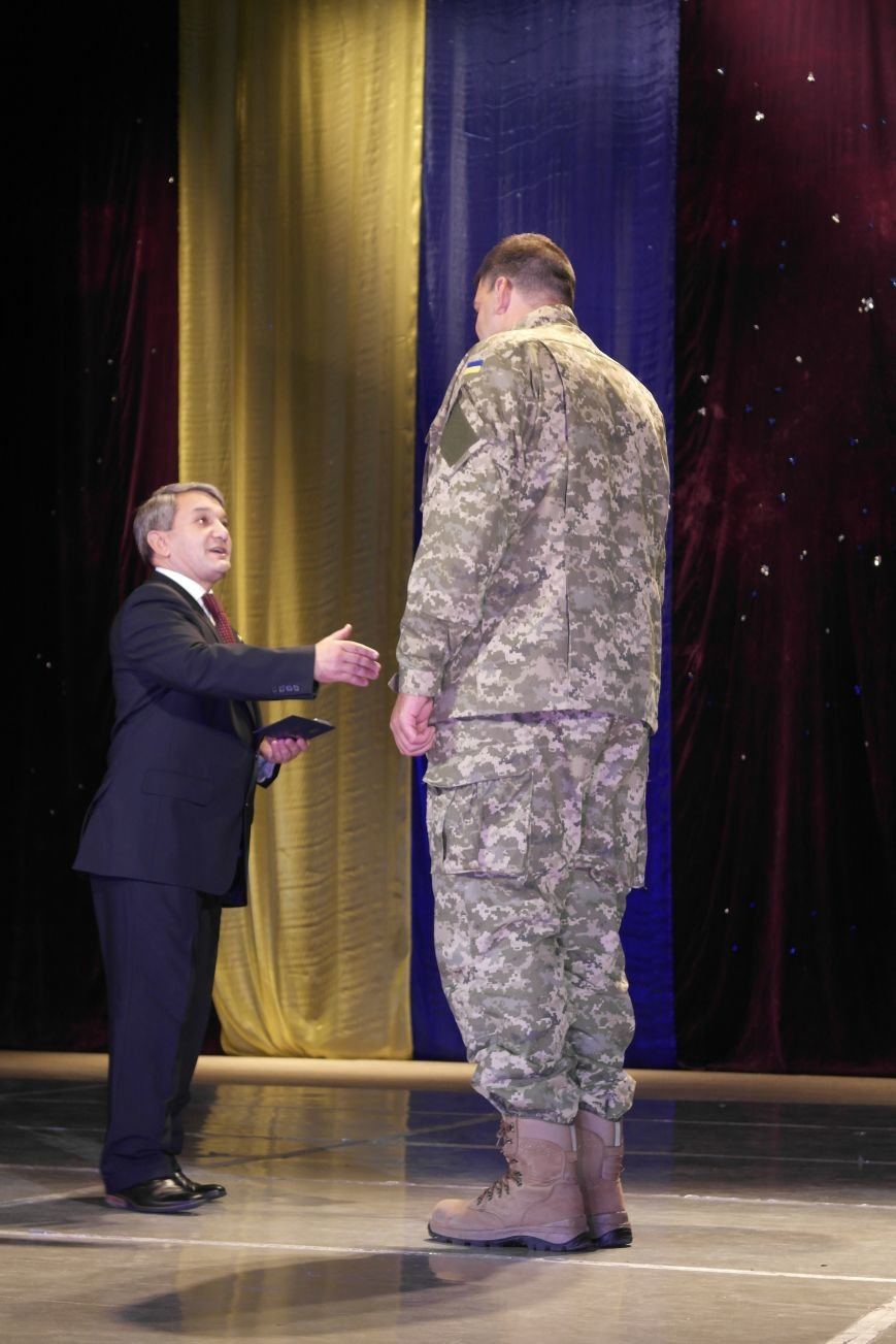 «Слава воїнам АТО»: в Покровске (Красноармейске) поздравили военнослужащих, фото-22