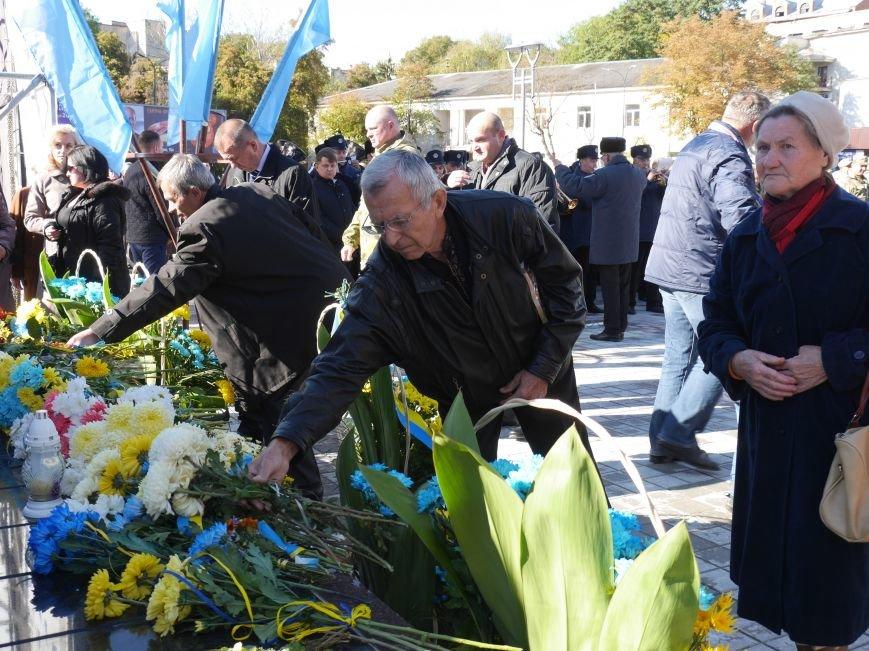 Тисячі тернополян прийшли на відкриття пам'ятника Героям Небесної Сотні (ФОТОРЕПОРТАЖ), фото-25