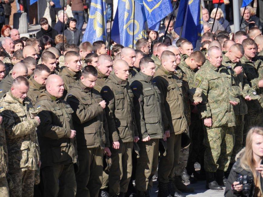 Тисячі тернополян прийшли на відкриття пам'ятника Героям Небесної Сотні (ФОТОРЕПОРТАЖ), фото-15