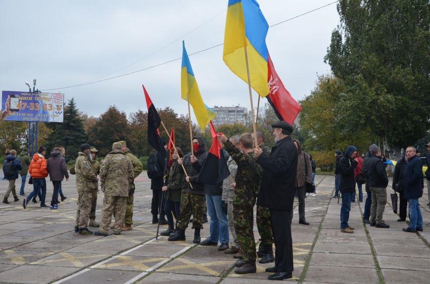В Мариуполе волонтеры и общественники поздравили военных с помощью автопробега (ФОТО+ВИДЕО), фото-8