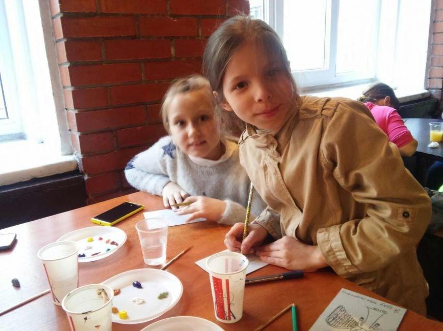 У палаці культури імені Гната Хоткевича сьогодні діти виготовляли обереги для бійців АТО (ФОТО), фото-2