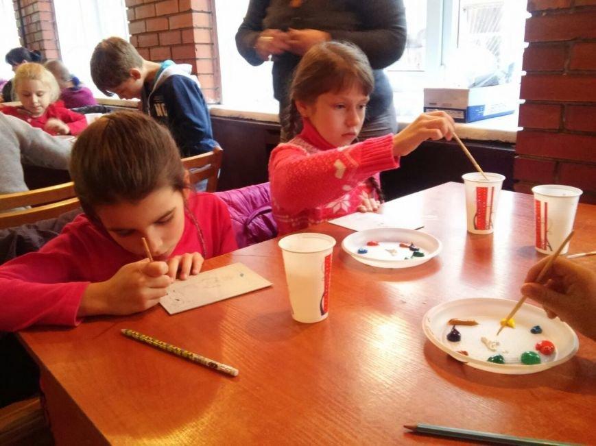 У палаці культури імені Гната Хоткевича сьогодні діти виготовляли обереги для бійців АТО (ФОТО), фото-3