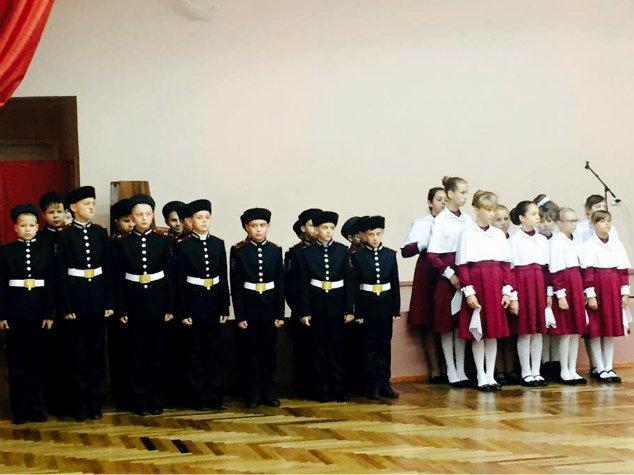 В праздник Покрова в Симферополе открыли первый казачий класс и приняли в казаки 57 мальчиков и девочек (ФОТО), фото-1
