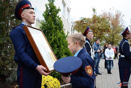 В праздник Покрова в Симферополе открыли первый казачий класс и приняли в казаки 57 мальчиков и девочек (ФОТО), фото-4