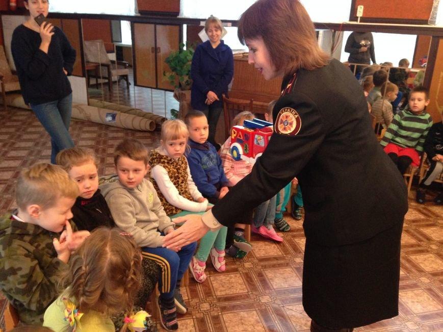 Як кременчуцькі дошкільнята вчилися бути пожежниками і не бавитися з вогнем, фото-3