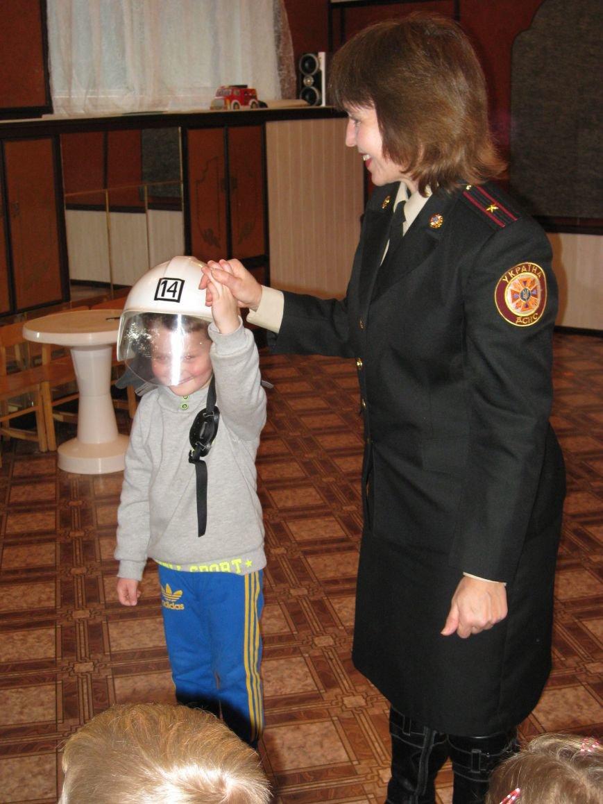Як кременчуцькі дошкільнята вчилися бути пожежниками і не бавитися з вогнем, фото-9