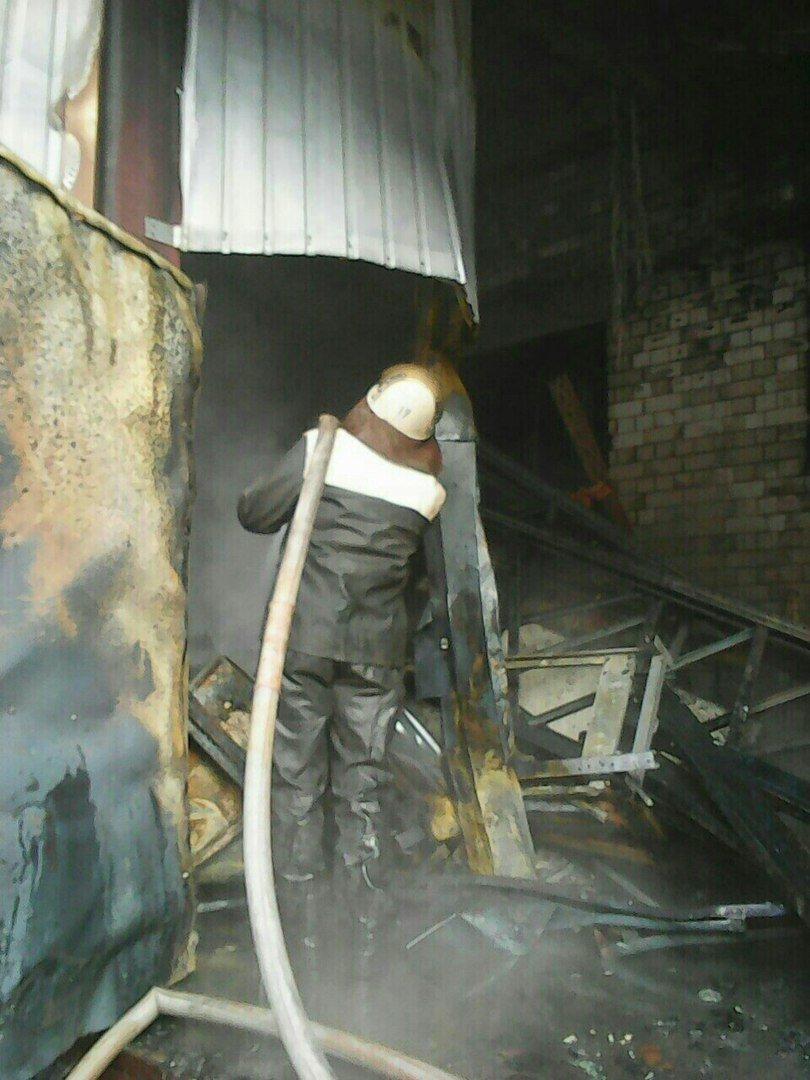 """Подробности пожара возле """"Дафи"""": горели морозильная камера и пресс для картона (ФОТО), фото-2"""