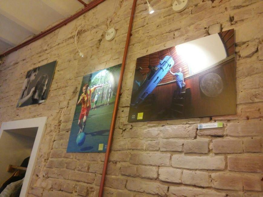 Впродовж двох тижнів львів'ян запрошують на фотовиставку соціального проекту про надможливості підлітків (ФОТО), фото-1