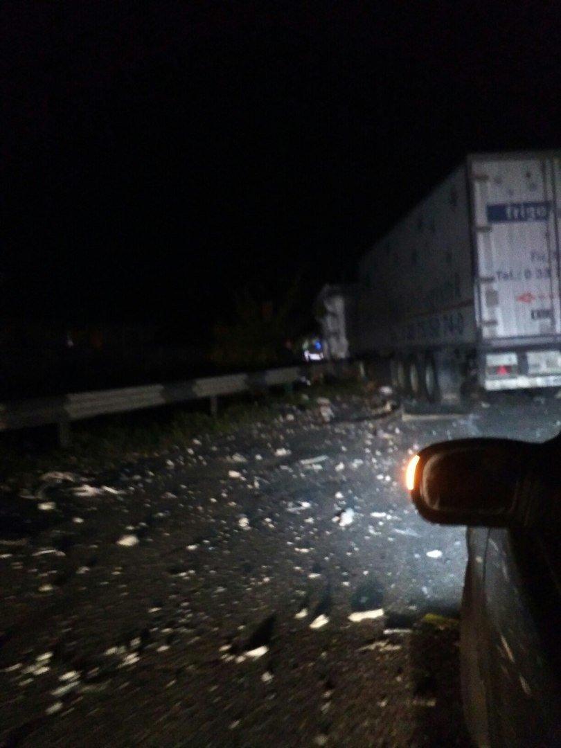 В ДТП под Харьковом перевернулись фуры: есть жертвы (ФОТО), фото-2